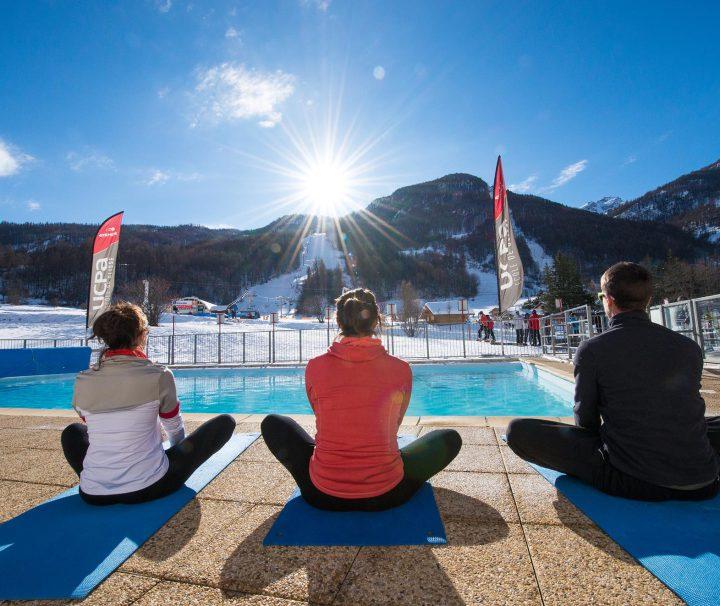 Serre Chevalier no Inverno Vista da Piscina para a Montanha e Neve